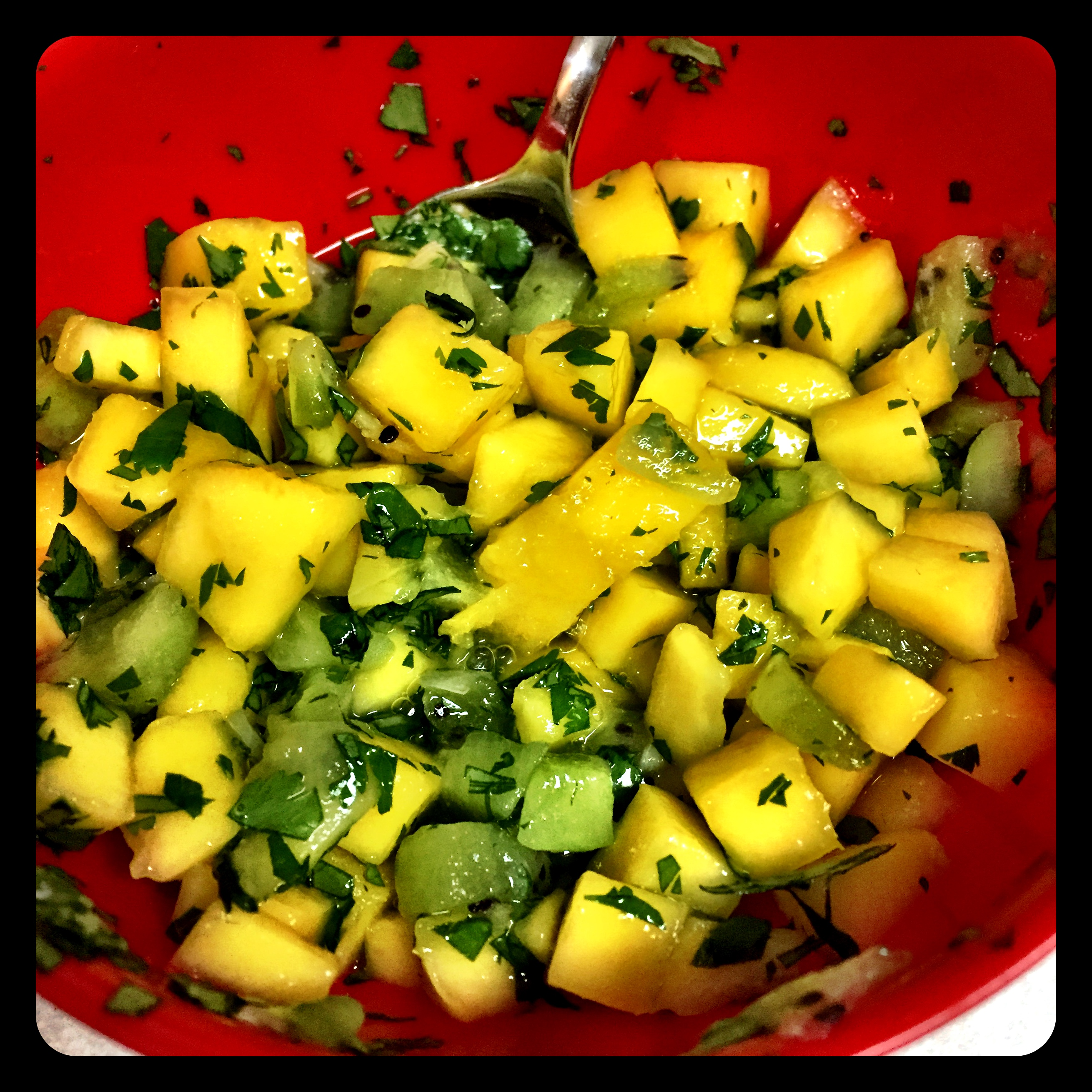 Mango Kiwi Salsa- makes enough for 2 fish filets with leftovers